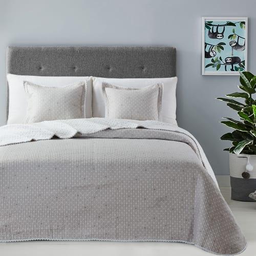 Billede af Atenas sengetæppe med pyntepuder - Stella - Beige