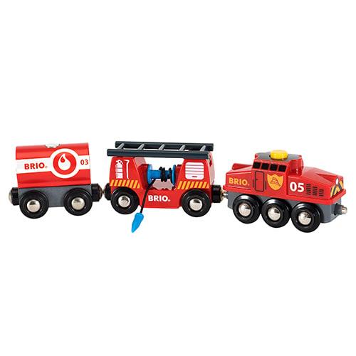 Sluk ildebranden med brandslange og vand fra tankvognen