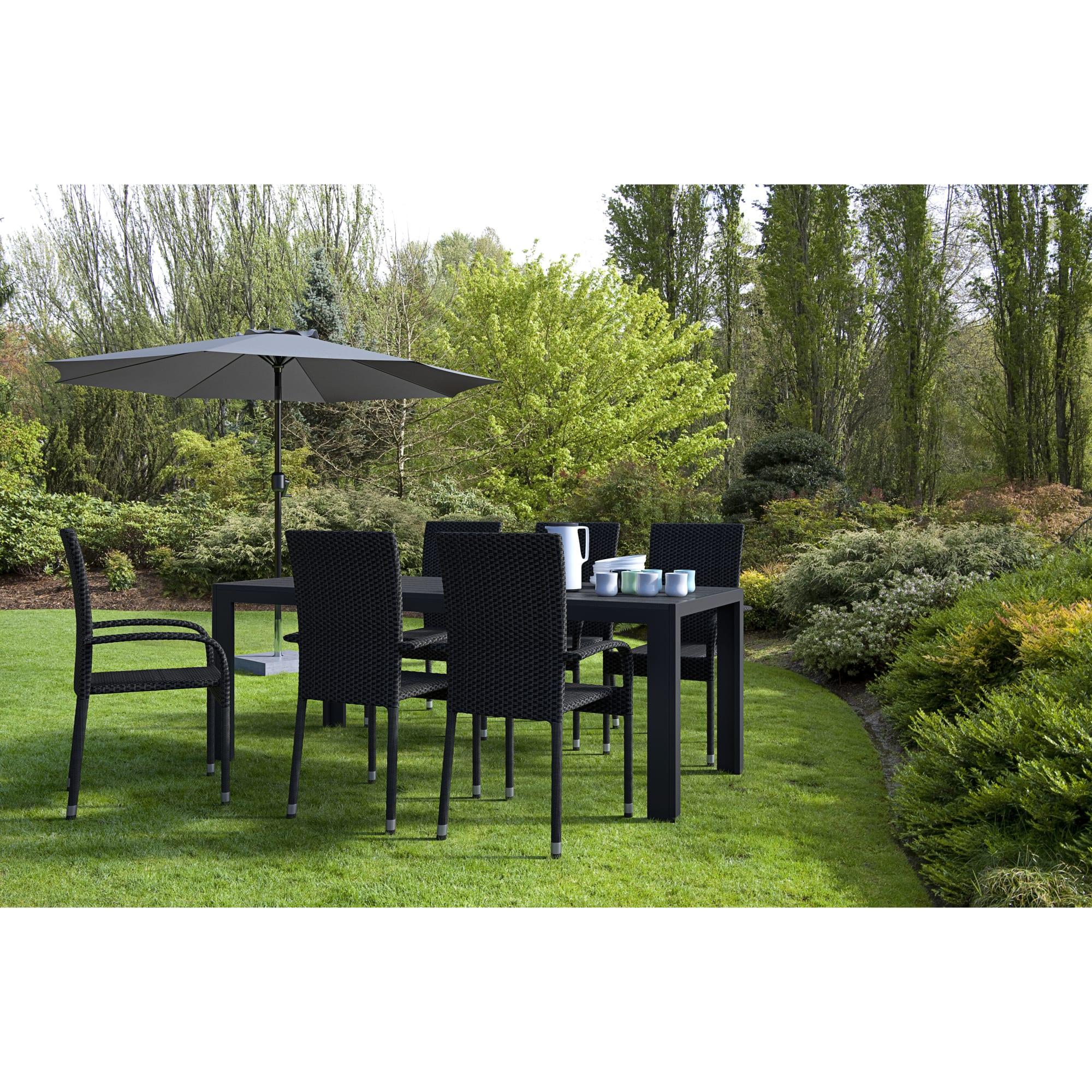 Bord (L 205 cm) og stabelbare stole