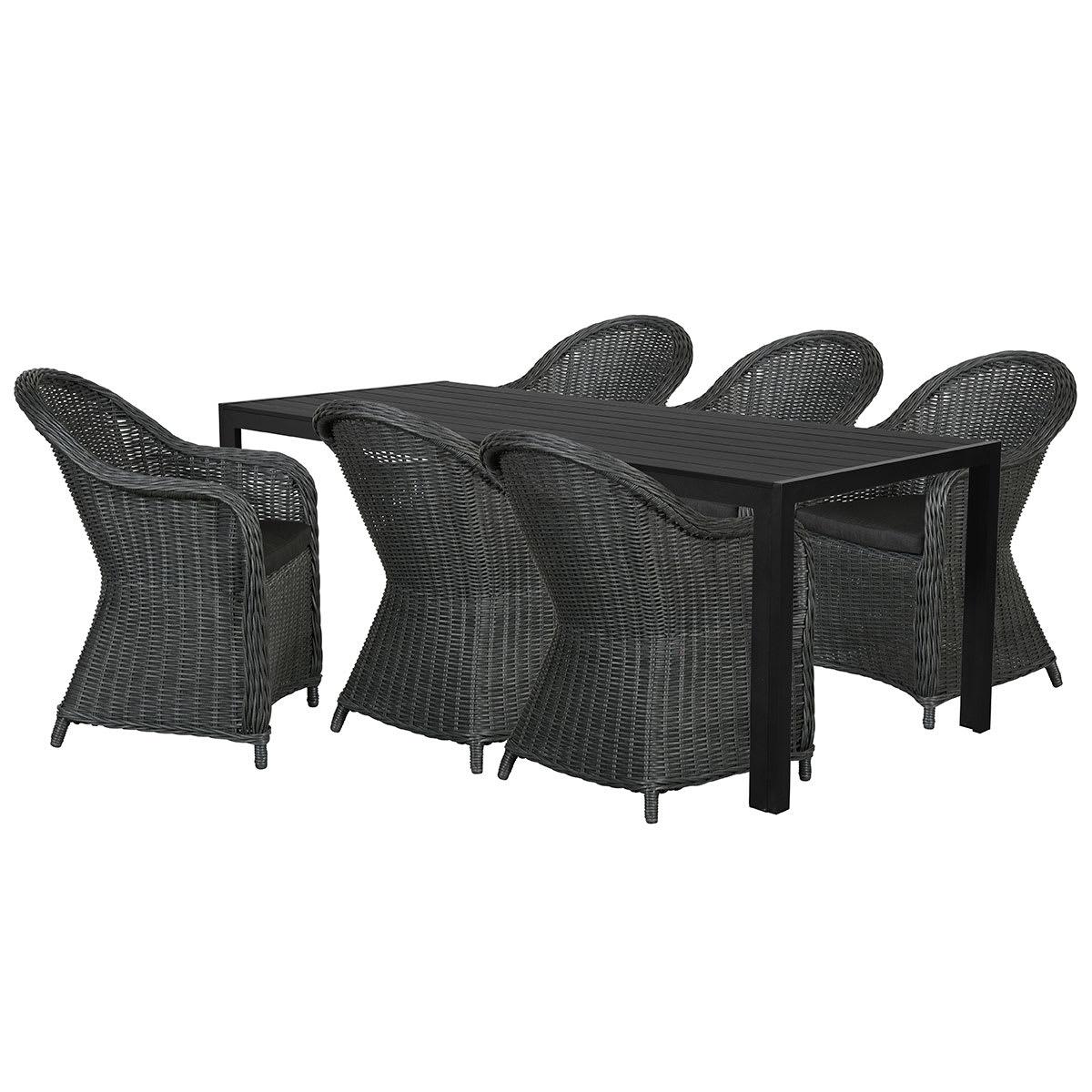 Bord (L 205 cm) og kåbestole inkl. hynder