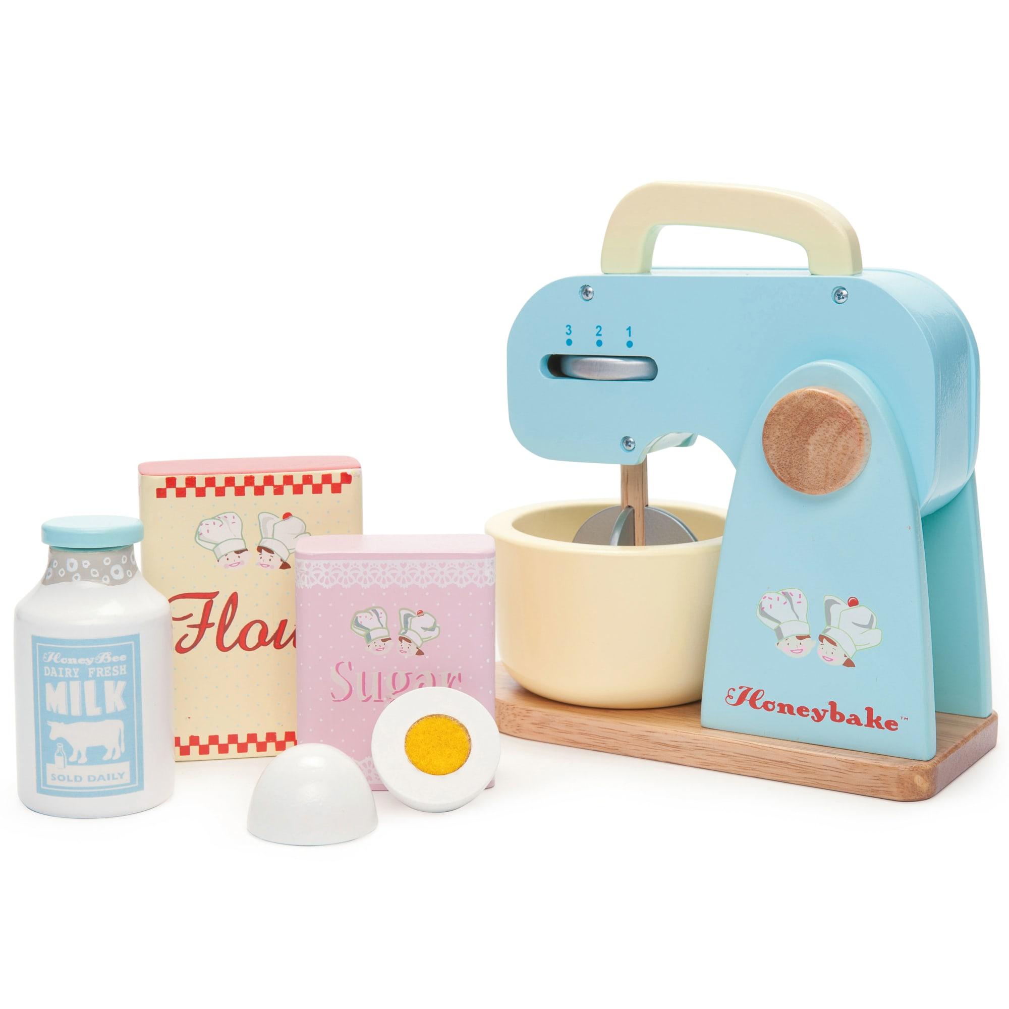 Til den lille bagermester - Inkl. røremaskine, mælk, æg, sukker, m.m.