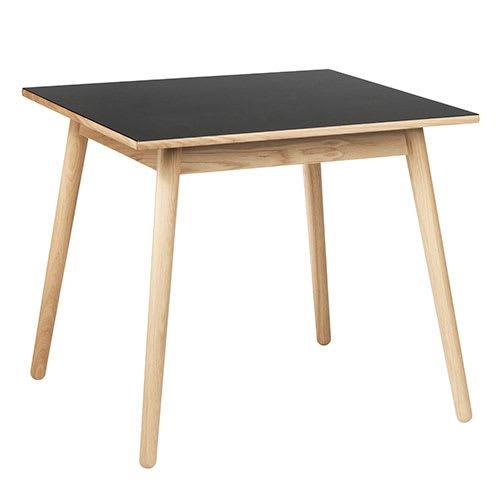 FDB Møbler - Smuk minimalisme på lidt plads