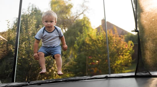 trampolinguide trampolin børn coop.dk