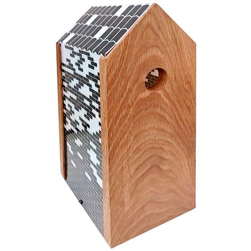 H 33 cm - Redekasse i olieret eg og print af sorte og hvide mursten