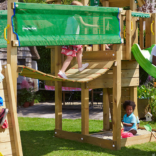 Udvid dit legetårn med hængebro og klatremodul