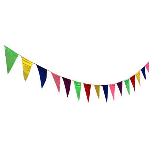 10 m med festlige flag