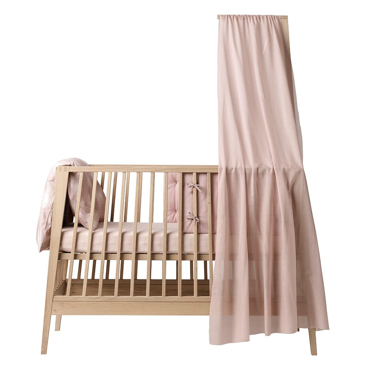 Stof til sengehimmel - Skab den skønneste hule om barnets seng