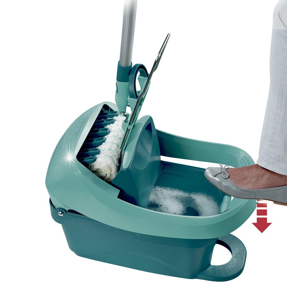 Komplet sæt med gulvvasker og spand med vrider